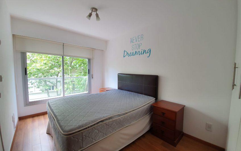 A pasos de Rambla, 1 dormitorio, equipado