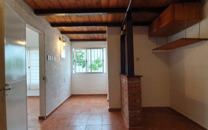 Al frente, 3 dormitorios, barbacoa garaje