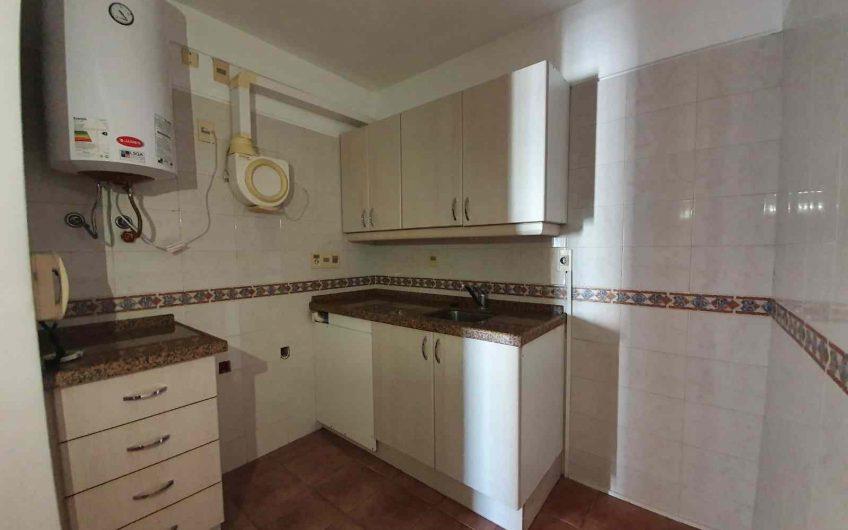 Alquiler, apartamento de 1 dormitorio, piso 7, a pasos de rambla.